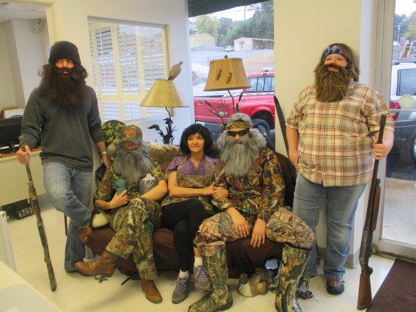 The Robertson Family of Duck Dynasty will be at Approved Auto today. Pictured L to R: Jase(Zack Jones), Uncle Si (Misha Come), Ms. Kay (Janie Bates), Phil (Laken Graham), Willie (Amy Alexander)